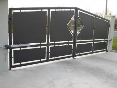 Nuova installazione - Automazione cancello a due ante.
